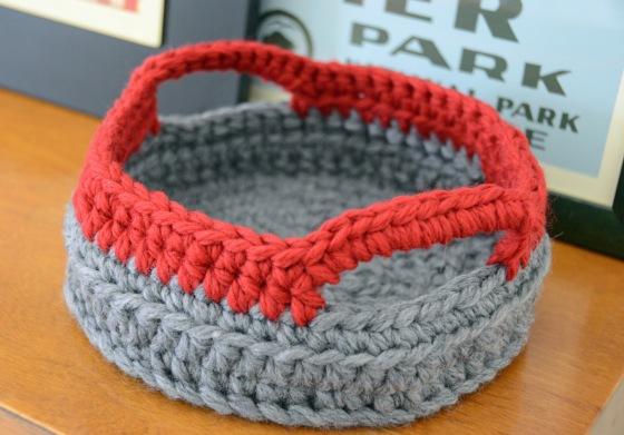 Crochet basket 1
